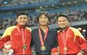 Thầy trò Miura nhận 100 triệu tiền thưởng SEA Games muộn mằn