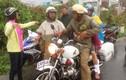Hình ảnh CSGT cứu dân ở TP HCM gây xúc động mạnh