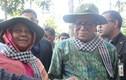 Tổng thống Bangladesh đeo khăn rằn thăm địa đạo Củ Chi
