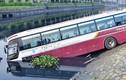 TP.HCM: Xe khách 50 chỗ lao thẳng xuống kênh Tàu Hủ - Bến Nghé