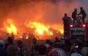 Hơn 3 giờ chữa cháy cật lực của cảnh sát TPHCM, Long An