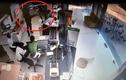 Clip cận cảnh dùng súng cướp ngân hàng Vietcombank ở Trà Vinh