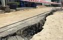 Cận cảnh vết nứt ven sông đang đe dọa khu dân cư Sài Gòn