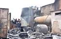 Cảnh tan hoang sau vụ cháy thiêu rụi công ty nhựa ở Sài Gòn