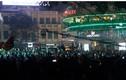 Người Hà Nội tưng bừng xuống phố đón năm mới 2017