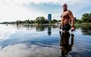 TG 24 giờ qua ảnh: VĐV tập luyện dưới hồ nước