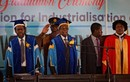 """Ảnh: Tổng thống Zimbabwe lần đầu tái xuất sau khi bị """"quản thúc"""""""