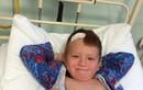 Thương tâm cậu bé mắc ung thư hiếm nhất thế giới