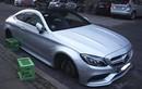 """Mercedes-AMG C63S Coupe bị trộm """"vặt sạch"""" 4 bánh xe"""