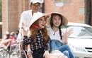 Chi Pu, Á hậu Hàn Quốc đội nón lá dạo phố SG