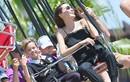 Angelina Jolie đưa các con đi chơi mừng cặp sinh đôi 9 tuổi