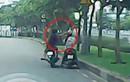 Vụ cướp giật điện thoại táo tợn trên đường phố