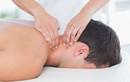 Massage cổ thư giãn, quý ông Ấn Độ bỗng nhiên đột quỵ