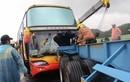 Ô tô chở 26 du khách Việt Nam tông phải container ở Đài Loan