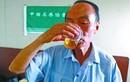 Kỳ dị hội uống nước tiểu chữa ung thư ở Trung Quốc