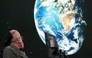 Stephen Hawking cảnh báo người ngoài hành tinh xâm chiếm Trái đất