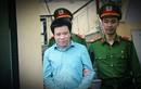 Ảnh: Hà Văn Thắm mỉm cười, Nguyễn Xuân Sơn hốc hác sau bản án