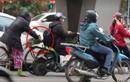 """CA Hà Nội điều tra thông tin """"nữ quái"""" cưỡi xe đạp móc túi người đi đường"""