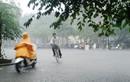 Bão Pakhar giật cấp 11 áp sát Biển Đông, cả nước mưa to