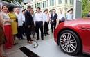 """Chủ tịch Hà Nội """"ngắm"""" xe sang Maserati Ghibli tiền tỷ"""
