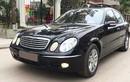 """Soi"" xe sang Mercedes-Benz E200 giá 300 triệu tại Hà Nội"