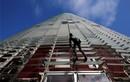 """Người nhện"""" của nước Pháp leo nhà 38 tầng bằng tay không"""