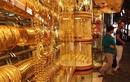 Lóa mắt trước chợ vàng bán theo kg ở Dubai