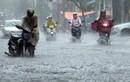 Áp thấp mạnh lên trên biển Đông, Trung và Nam Bộ mưa lớn