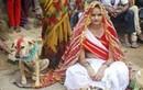 Video: Cô gái Ấn Độ 18 tuổi kết hôn với một chú chó