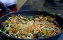 Video: Cách làm miến gà xào su hào cho cả nhà khen không ngớt