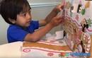 Nhóc tỳ 6 tuổi trở thành triệu phú nhờ đánh giá đồ chơi