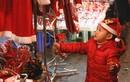 Người người rộn ràng xuống phố đón Giáng sinh sớm tại Hà Nội