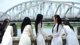 Phụ nữ Việt đẹp duyên dáng qua lịch sử áo dài