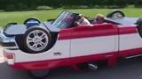 Ô tô chạy kiểu ngược đời, chổng 4 bánh lên trời