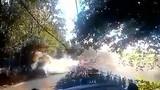 Video: Tai nạn xe đua kinh hoàng, 22 người thương vong