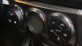 Có nên tắt điều hòa ôtô trước khi tắt máy?