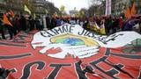 COP 21 thông qua thỏa thuận lịch sử về biến đổi khí hậu