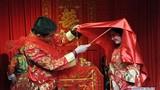 Cận cảnh đám cưới truyền thống ở Trung Quốc thời hiện đại