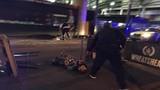 Khoảnh khắc cảnh sát tiêu diệt kẻ tấn công khủng bố London