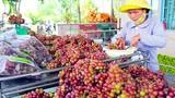 Loạt đặc sản giá cao nở rộ ở Sài Gòn gần Tết