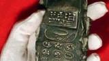 Choáng váng vì đào được 'điện thoại' cổ gần 1.000 năm tuổi