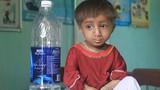 Thương cảm cậu bé nhỏ nhất Việt Nam ở Quảng Ngãi