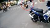 Phẫn nộ gã chồng đánh vợ túi bụi đến bất tỉnh giữa đường
