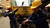 Ảnh: Nghề lặn ngụp trong nước thải ống cống ở Sài Gòn