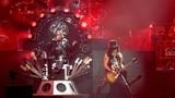 30 người bị bắt trong show diễn của nhóm Guns N' Roses
