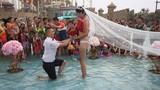 Sự cố bất ngờ sau màn cầu hôn của cặp đôi Trung Quốc