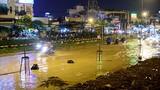 Ảnh: Sài Gòn ngập nặng vì mưa lớn kết hợp đỉnh triều