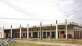 Ảnh: Trung tâm thương mại 14 tỷ hoang phế ở huyện nghèo