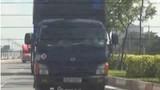 Chiêu thức dán logo bảo kê cho xe quá tải tại TP HCM