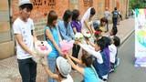 Màn cầu hôn tập thể của cặp đôi đồng tính giữa Sài Gòn